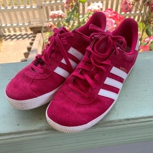 Adidas Gazelle tennis shoes